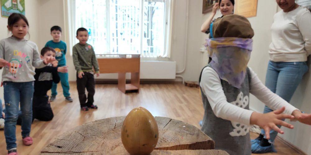Весенний праздник в школе «Рядом дом»